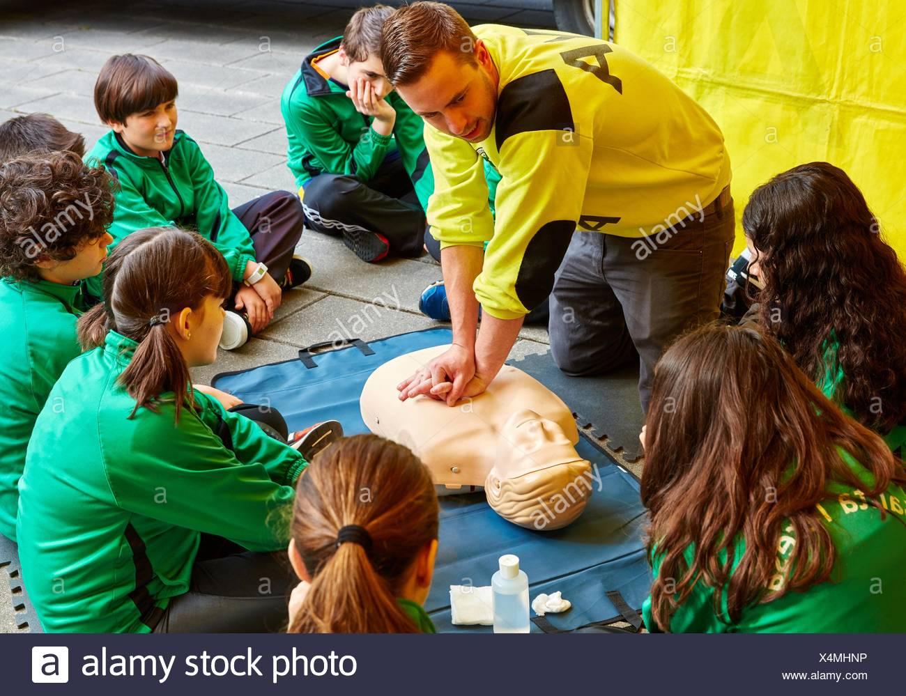 First aid course at school. Donostia (San Sebastian). Gipuzkoa. Basque Country. Spain. - Stock Image
