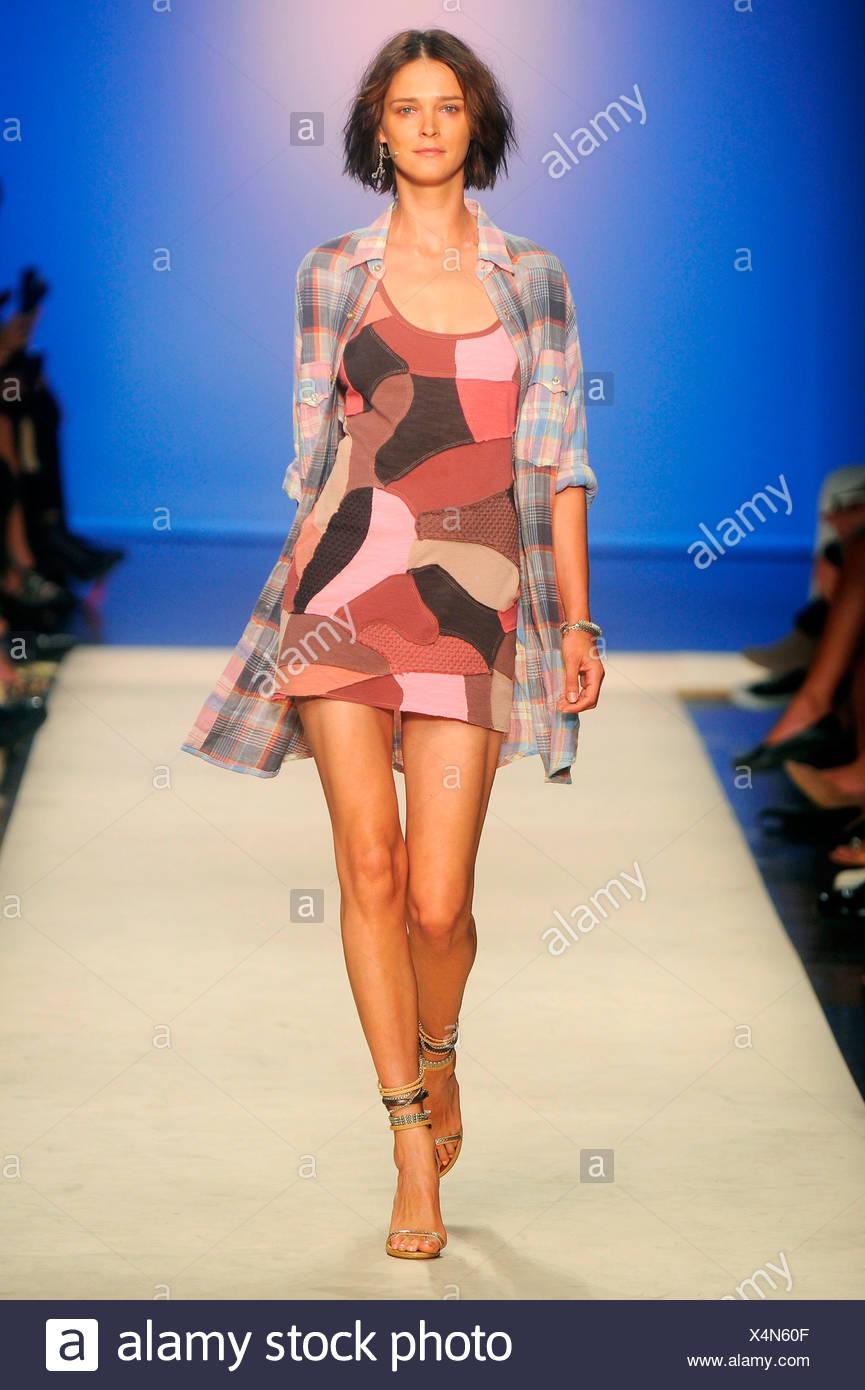 01f98733764 Isabel Marant Paris Ready to WearSpringSummer 2012 Stock Photo ...