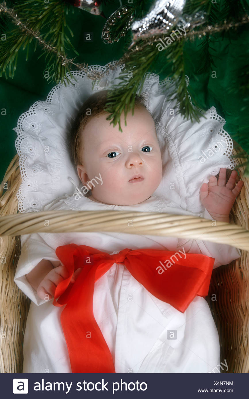 1 to 2 months 1 2 months alone babies baby basket bed blanket boy boys - Children Christmas Pictures 2