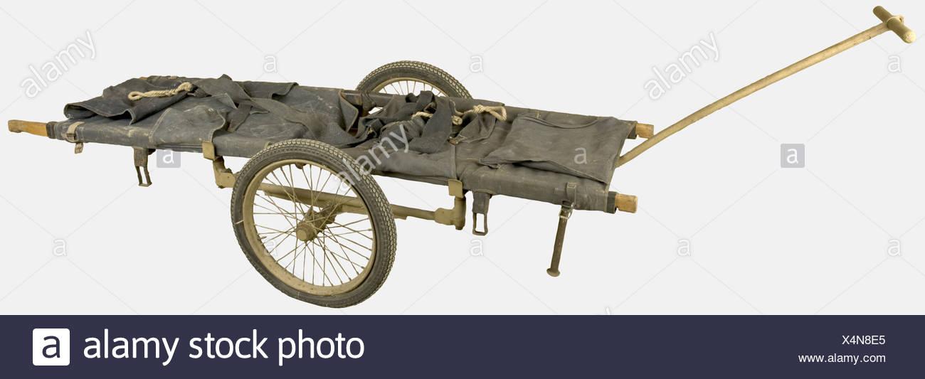 MATERIEL TECHNIQUE, Brancard et porte-brancard, d'infirmier de la Wehrmacht comportant toutes ses sangles et sa remorque de transport, , Additional-Rights-Clearances-NA - Stock Image