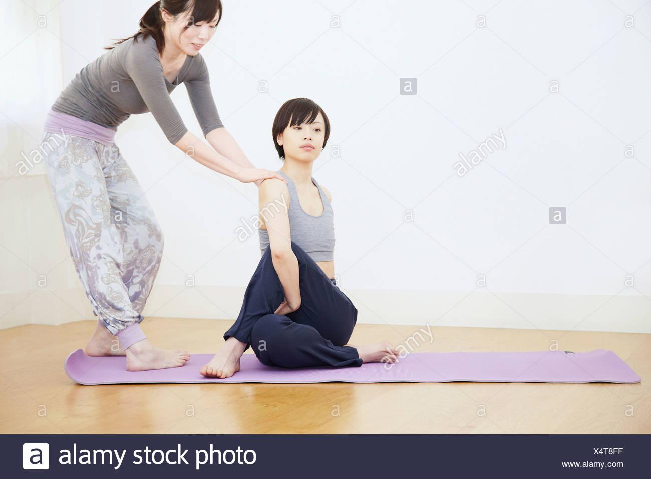 Yoga Teacher Stock Photos & Yoga Teacher Stock Images - Alamy