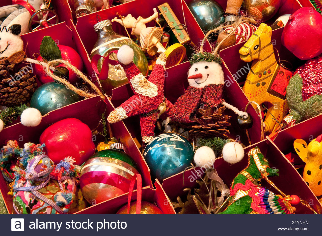 Old Fashioned Christmas Tree Decorations Stock Photos & Old ...