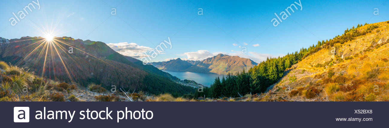 Mountains around Lake Wakatipu, Ben Lomond Scenic Reserve, Queenstown, Otago Region, Southland, New Zealand - Stock Image