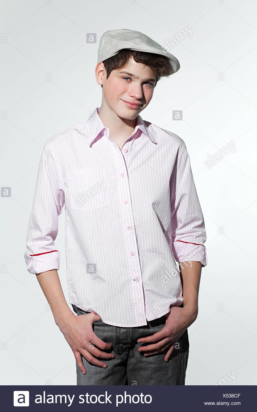 42613dde Portrait Of Boy Wearing Flat Cap Stock Photos & Portrait Of Boy ...