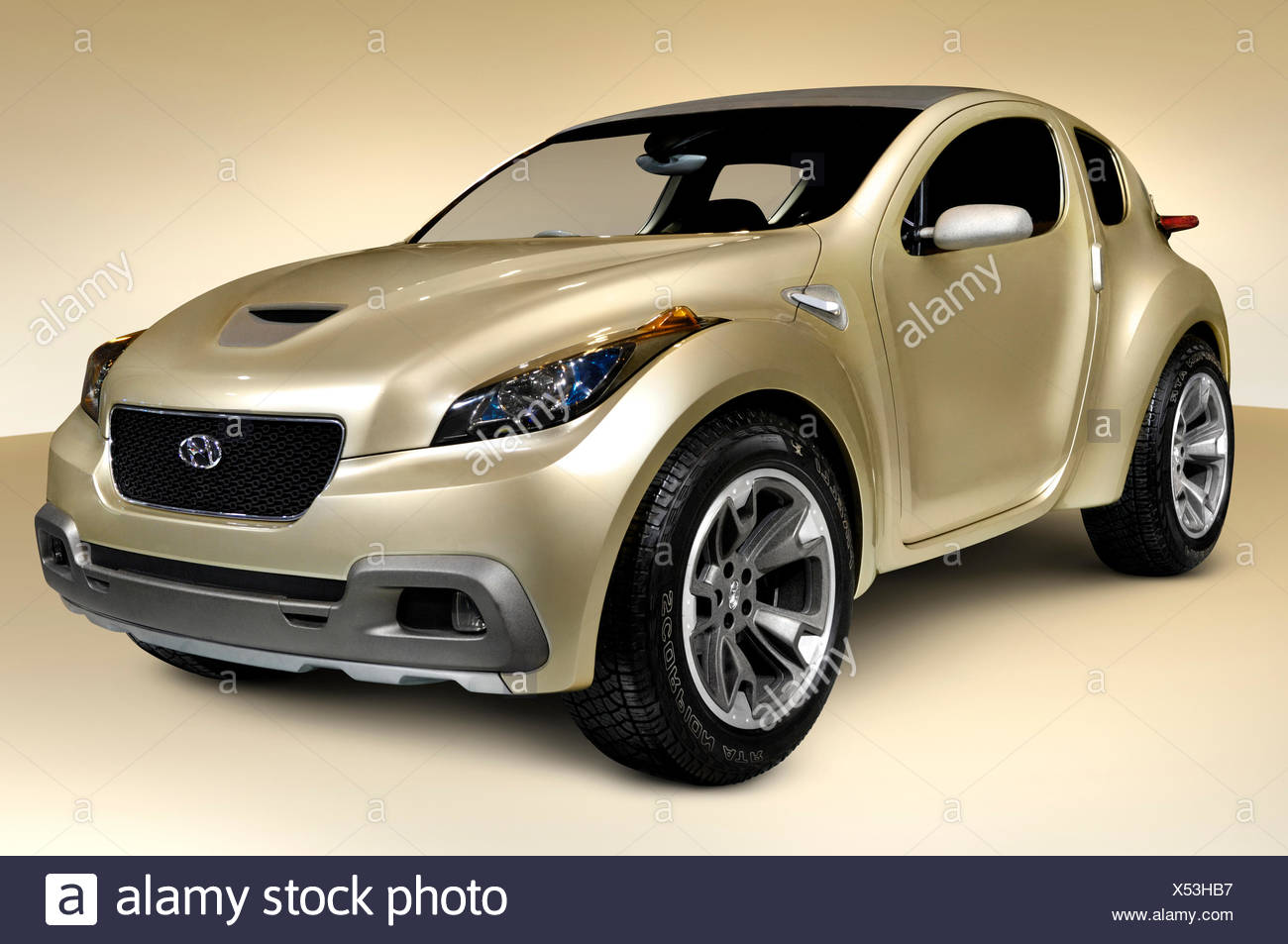 HCD10 Hyundai Hellion 2009 futuristic ergonomic environment friendly concept car - Stock Image