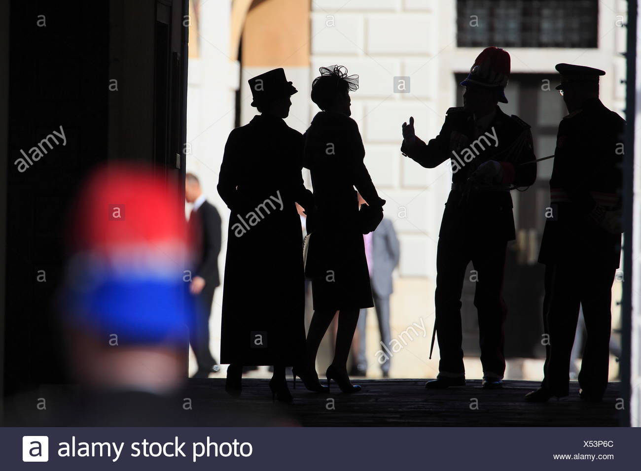 Bodyguard of the prince and visitors at the entrance of the Prince's Palace on the national Fête du Prince - Stock Image