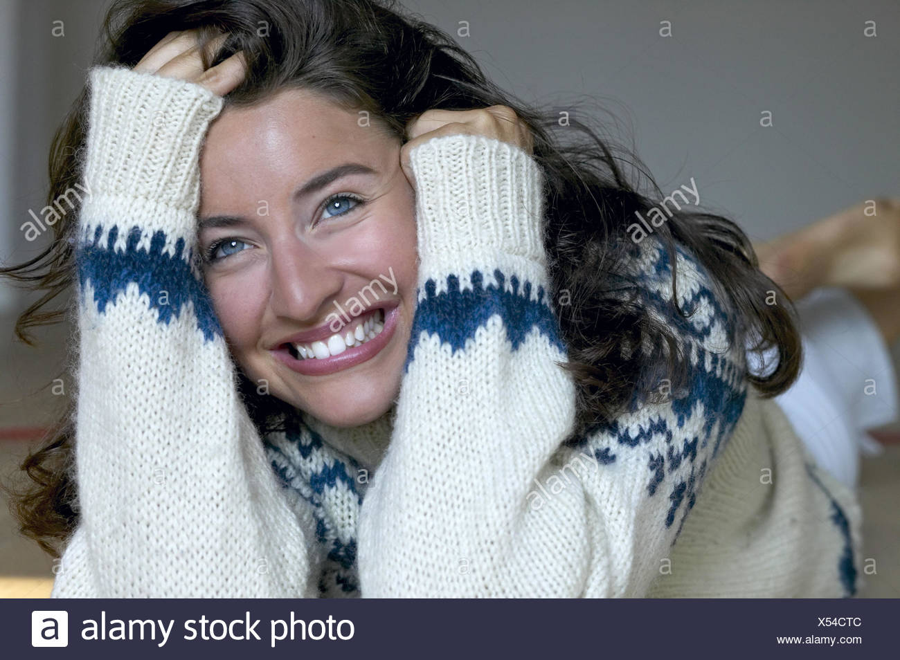 Woman Young Long Haired Rope Sweaters Laughs Portrait Series 20 30 Years Brown Hairy Winter Sweaters Sweaters Lie Rests Cheerfully Joy