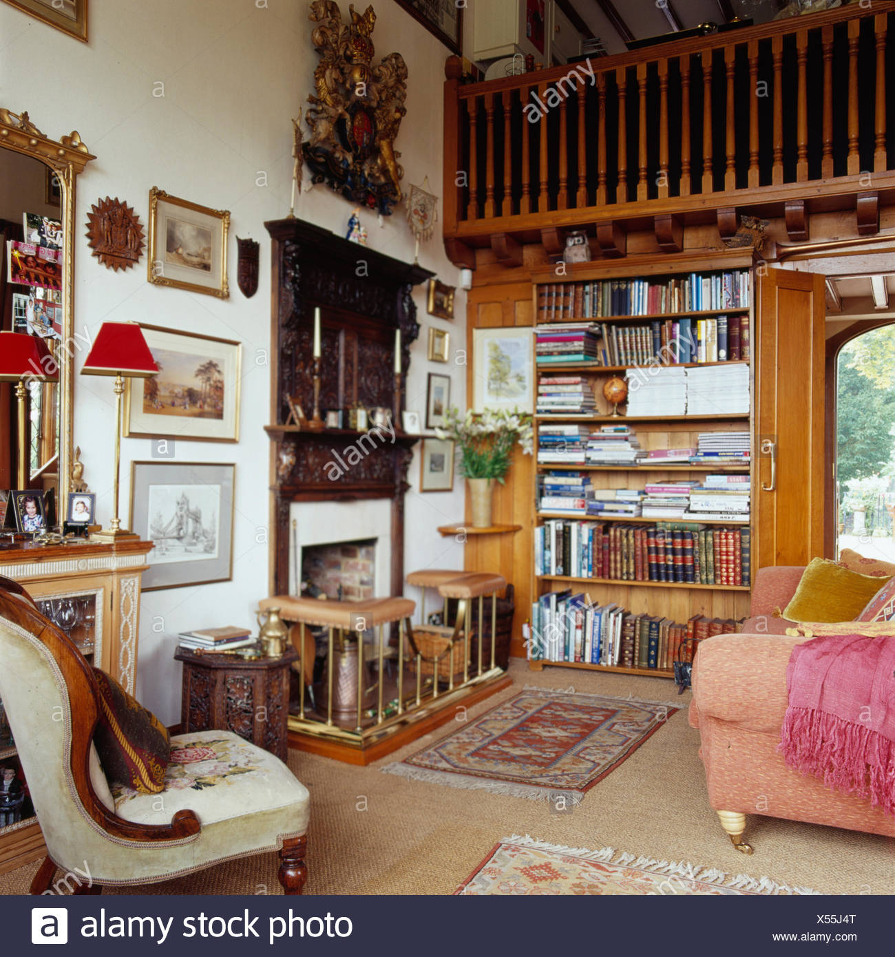 Traditional Study Room: Mezzanine Stock Photos & Mezzanine Stock Images