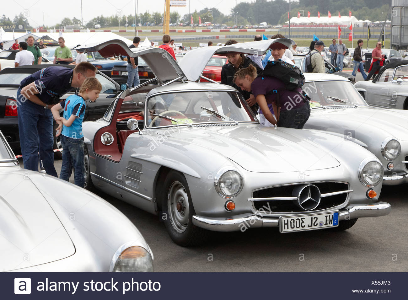 mercedes benz 300sl stock photos mercedes benz 300sl stock images alamy. Black Bedroom Furniture Sets. Home Design Ideas
