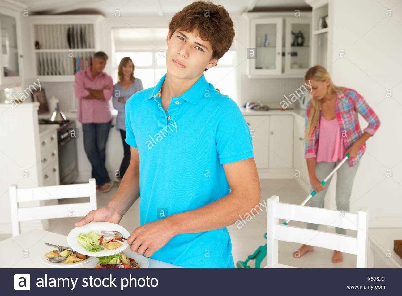 Boy Doing The Dishes Stock Photos & Boy Doing The Dishes Stock ...