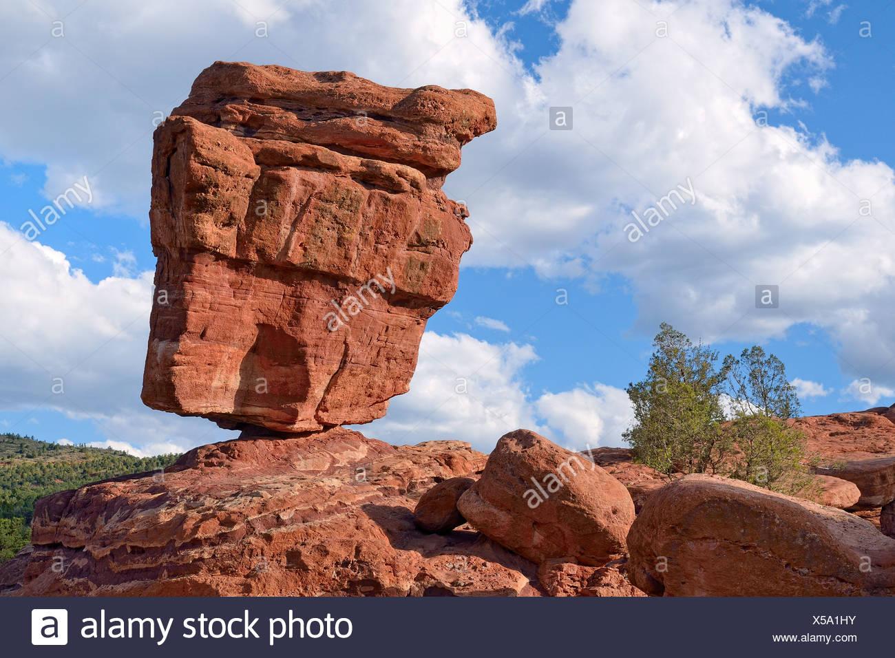 Balanced Rock, Garden of the Gods, red sandstone rocks, Colorado Springs, Colorado, USA - Stock Image