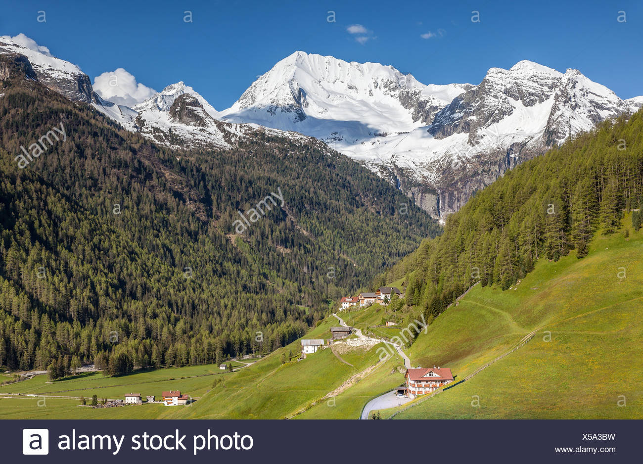 geography / travel, Italy, South Tyrol, Rein in Taufers, view on the Rieserferner Group, Additional-Rights-Clearance-Info-Not-Available - Stock Image