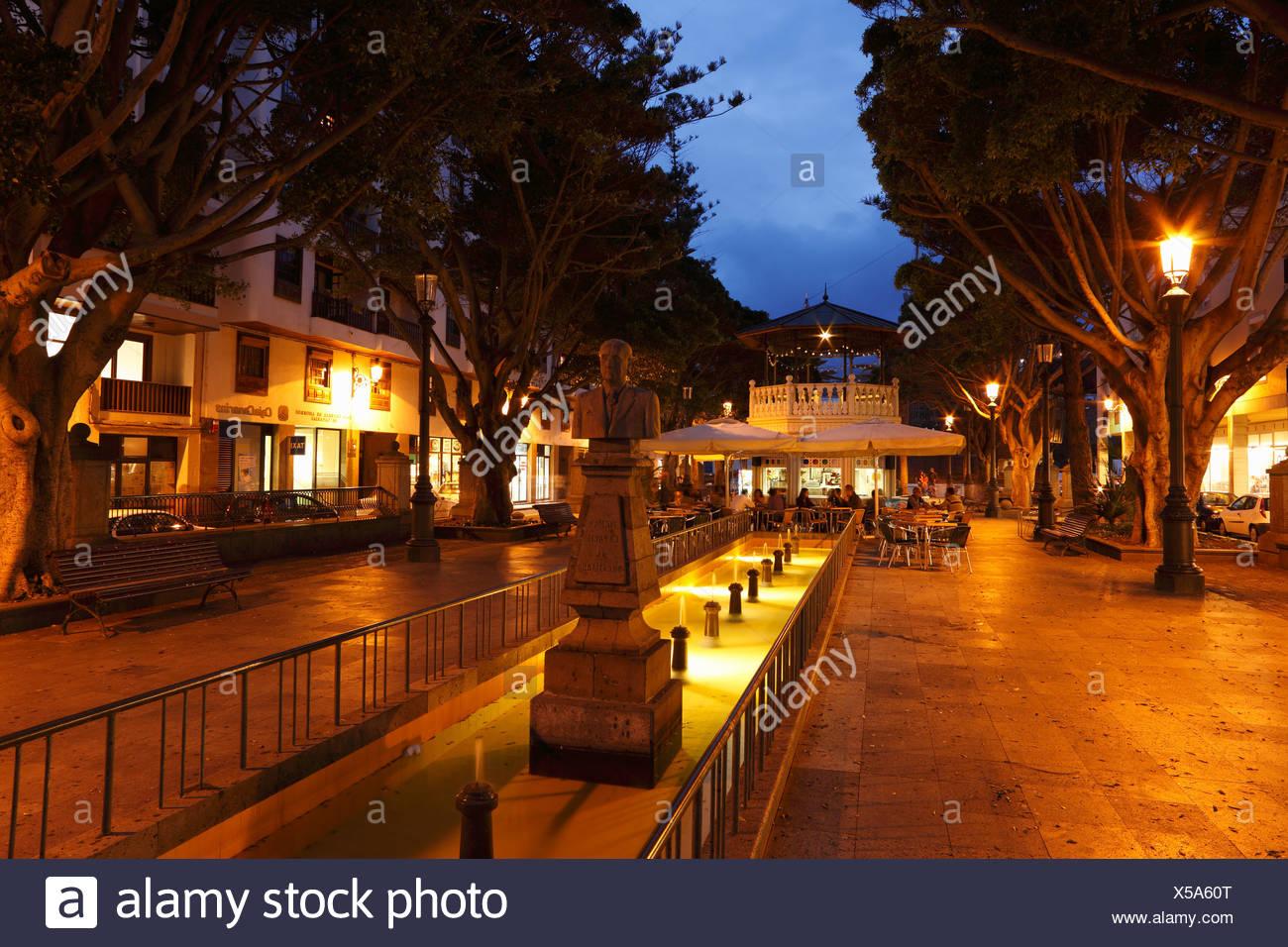 Alameda Plaza, memorial Dr Camacho, Santa Cruz de la Palma, La Palma, Canary Islands, Spain - Stock Image