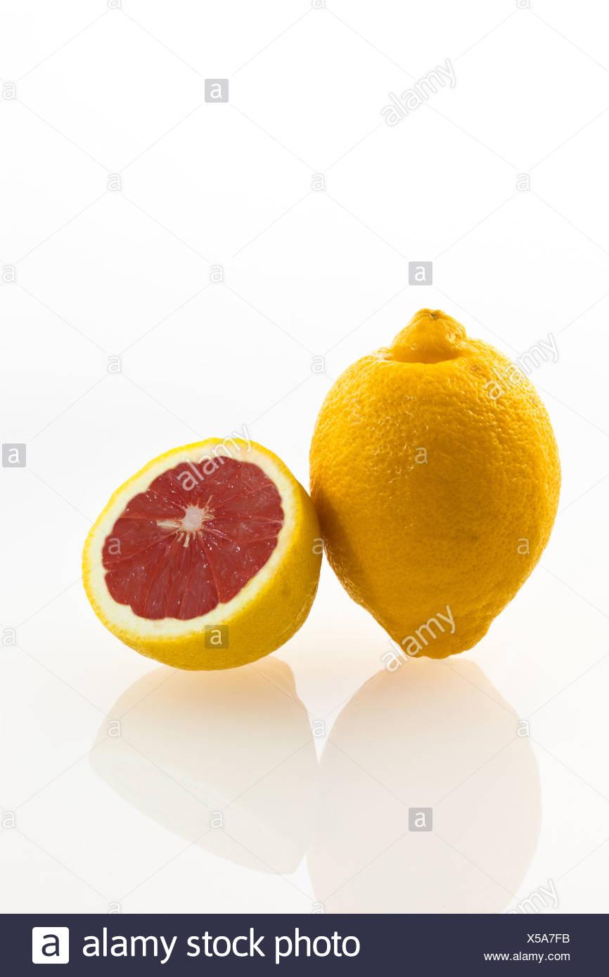 Symbolic image, genetically modified lemon, lemon with genes of a grapefruit - Stock Image