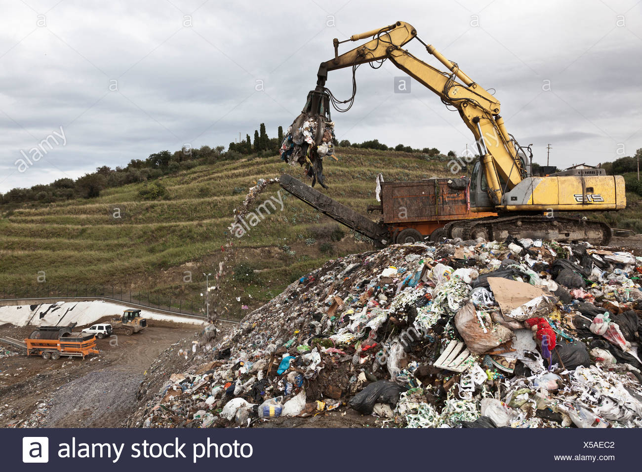Crane at garbage collection center - Stock Image
