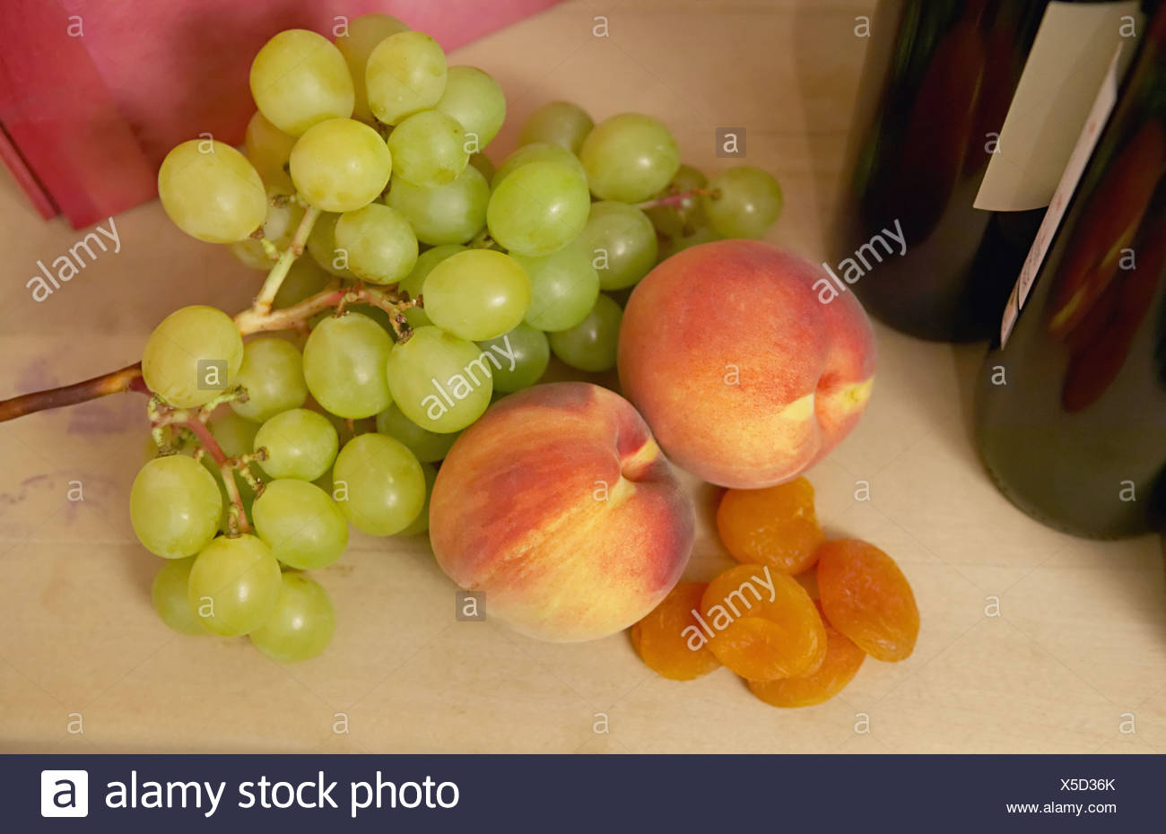 Peaches and grapes - Stock Image
