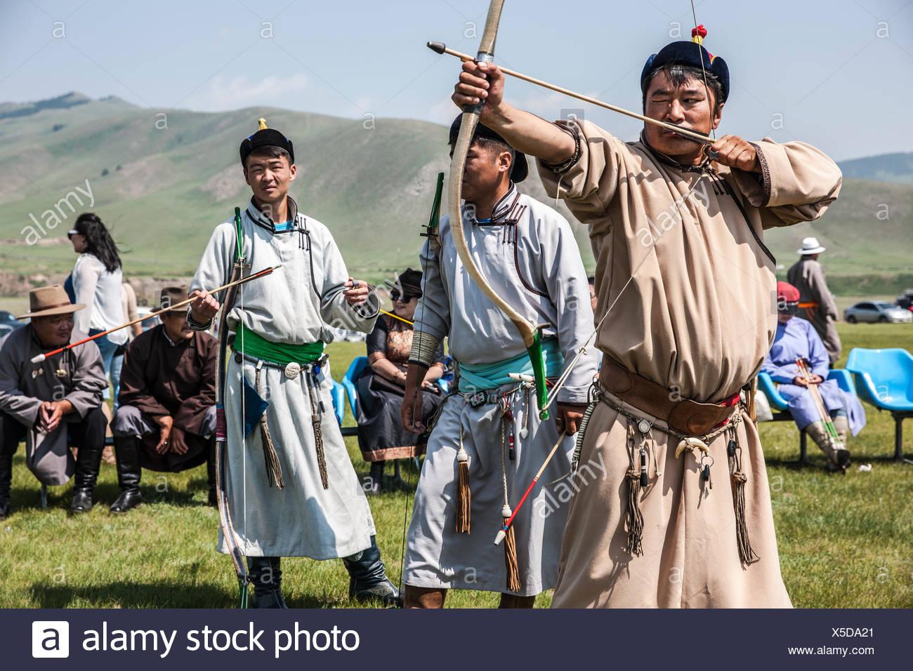 mongolian-archery-at-naadam-festival-bul