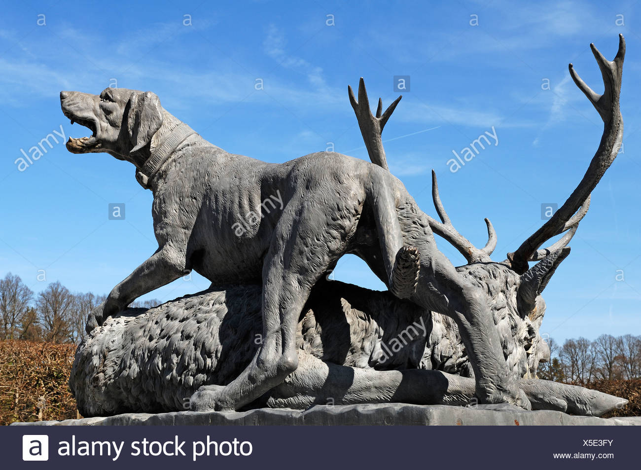 Statues of hunting animals by Johann Nepomuk Hautmann in front of Herrenchiemsee Palace, Herreninsel island, Bavaria - Stock Image