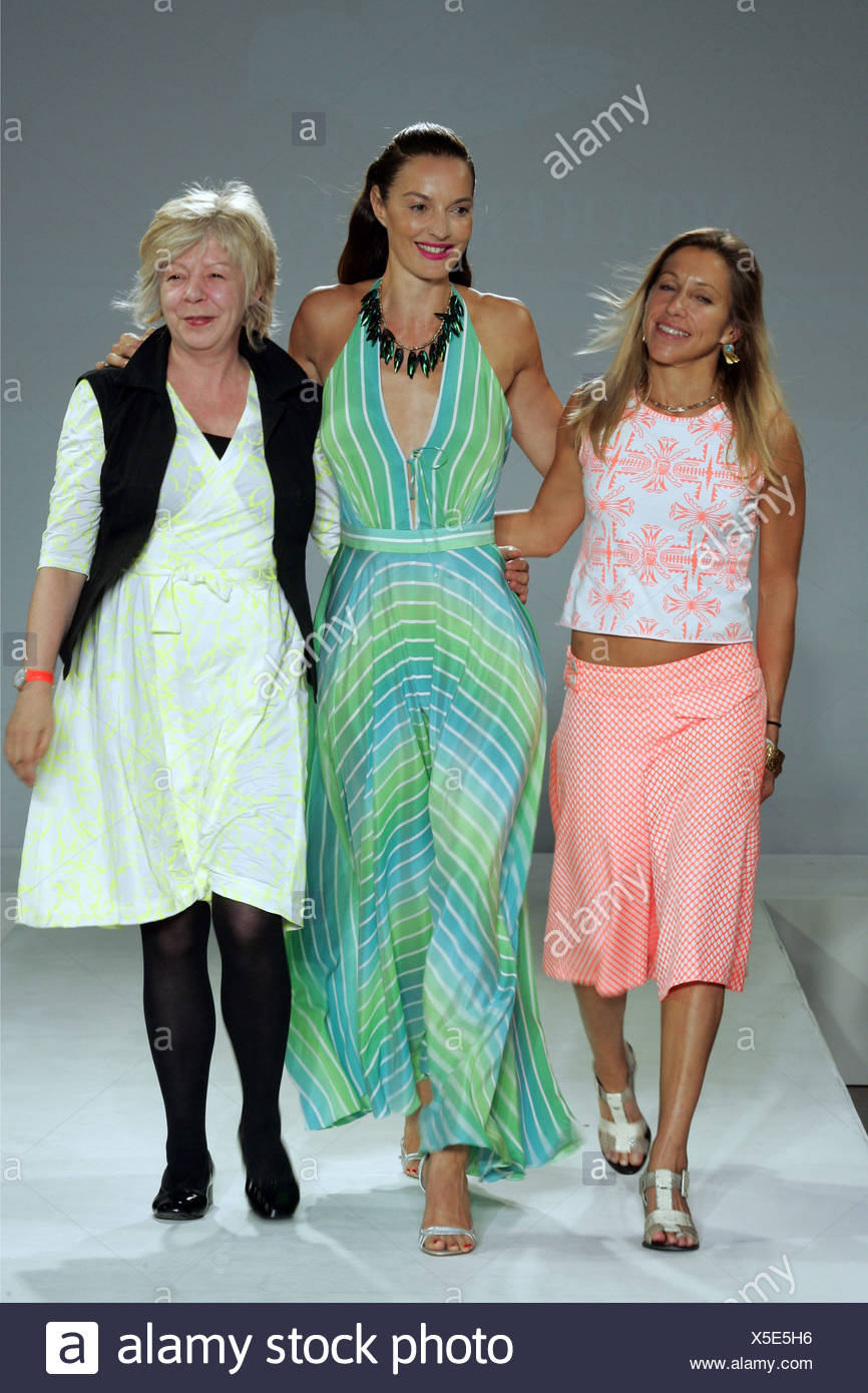 Mother Of Pearl London Ready To Wear Spring Summer British Designers Maia Norman Left And Sue Foulston Right A Model Stock Photo Alamy
