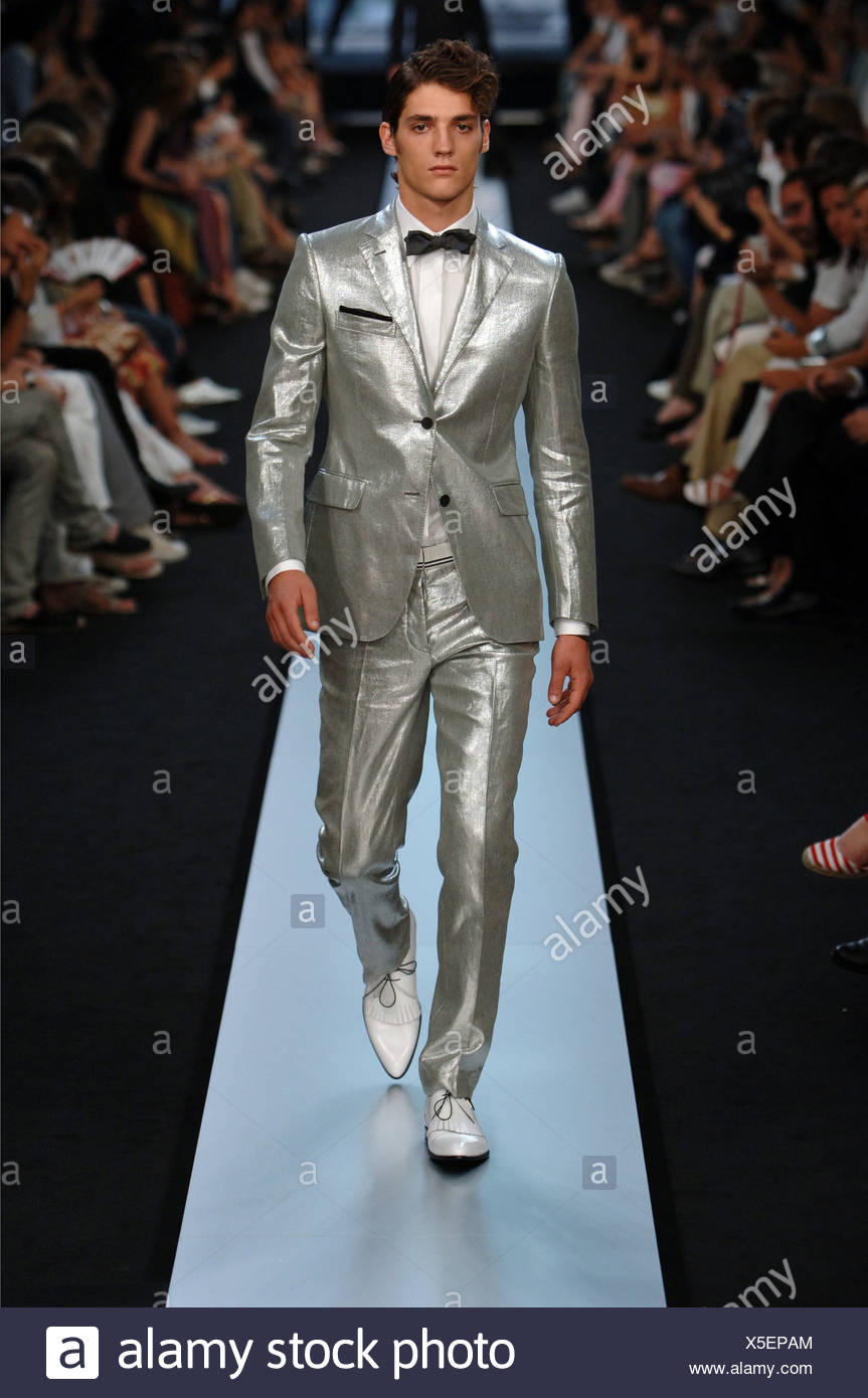 498f7315 Givenchy Paris Ready to Wear Menswear Spring Summer Brunette male model  wearing a silver fitted suit