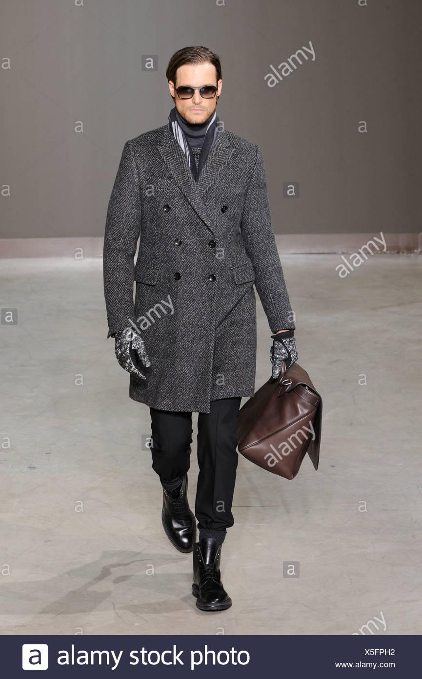 55145a743762 Louis Vuitton Paris Ready to Wear Menswear Autumn Winter A black and white  herringbone harris tweed