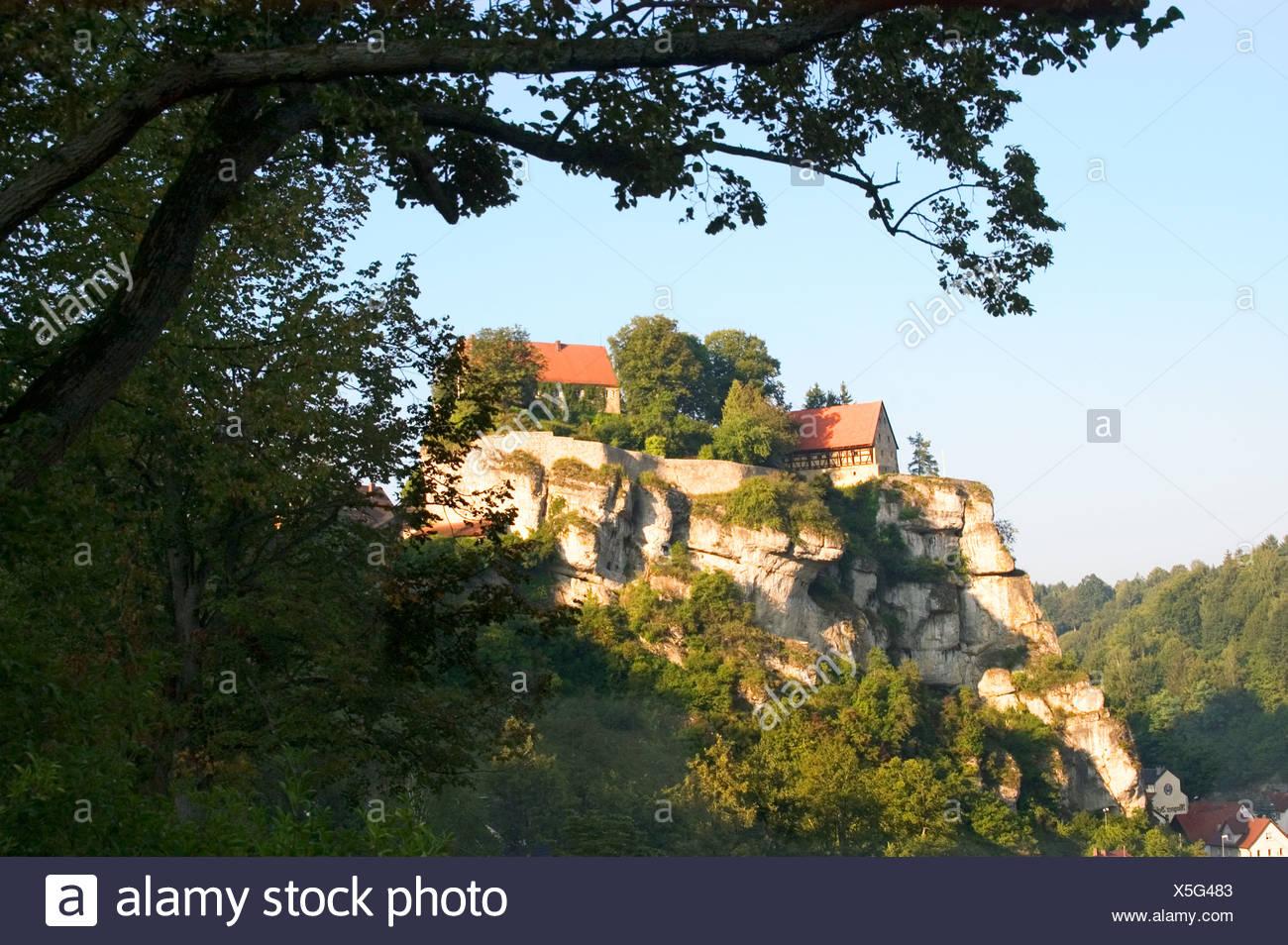 Pottenstein Kreis Bayreuth Oberfranken Bayern Deutschland Burg aus dem späten Mittelalter Potenstein district of Bayreuth Upper - Stock Image