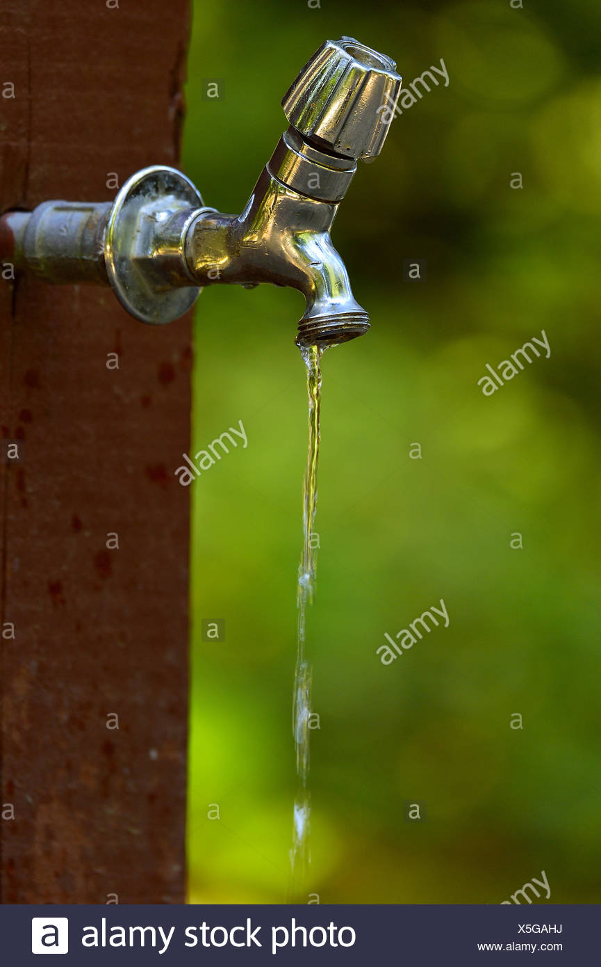 Outdoor Tap Stock Photos & Outdoor Tap Stock Images - Alamy