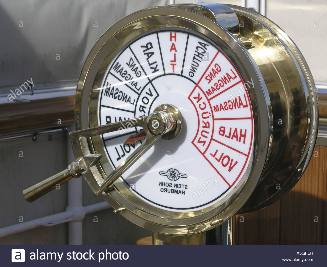 control detail DS Hohentwiel gas lever helm lake Lake of Constance