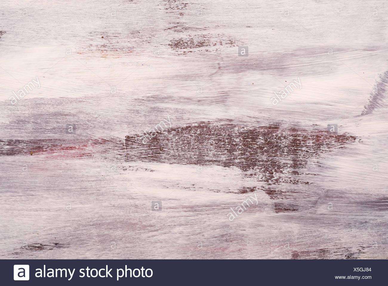Abstrakt weiss und dunkel übermalte Pinselstriche als Detail - Stock Image