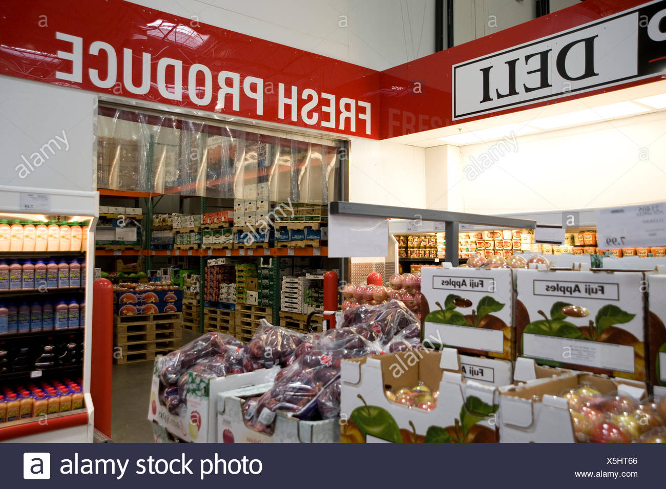 d15853877b Costco Superstore Stock Photos   Costco Superstore Stock Images - Alamy