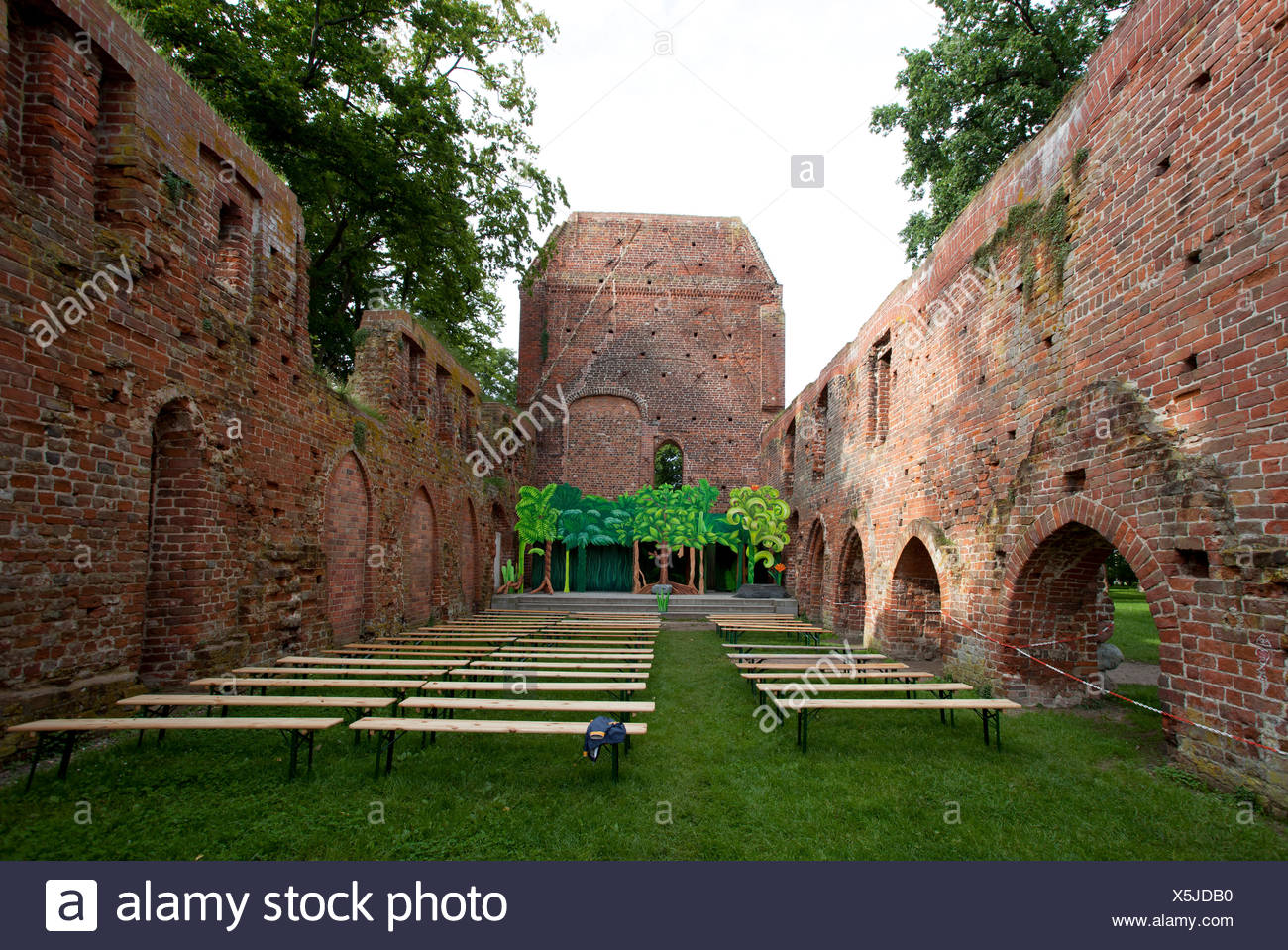 Ruins of Eldena, one of the venues of the Ostseefestspiele festival, Mecklenburg-Western Pomerania - Stock Image