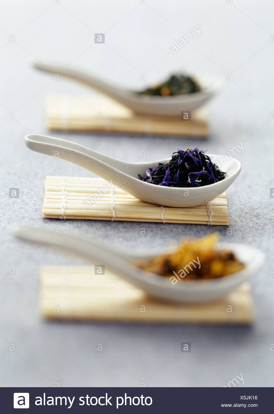 spoonfuls of loose tea - Stock Image