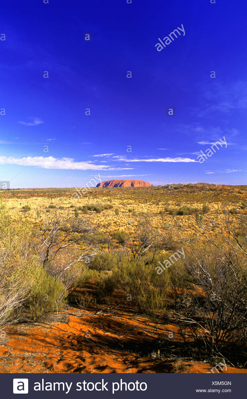 Australia egg merchant's rock skirt rock cliff scenery Northern Territory out forecastle Uluru - Stock Image