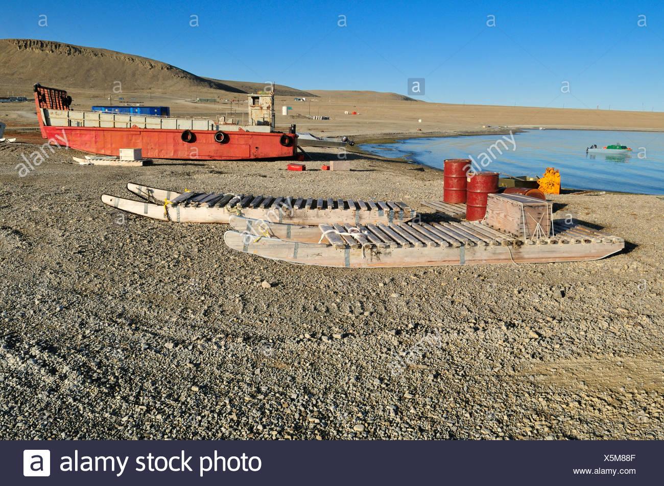 Harbour of the Inuit community Resolute Bay, Cornwallis Island, Northwest Passage, Nunavut, Canada, Arctic - Stock Image