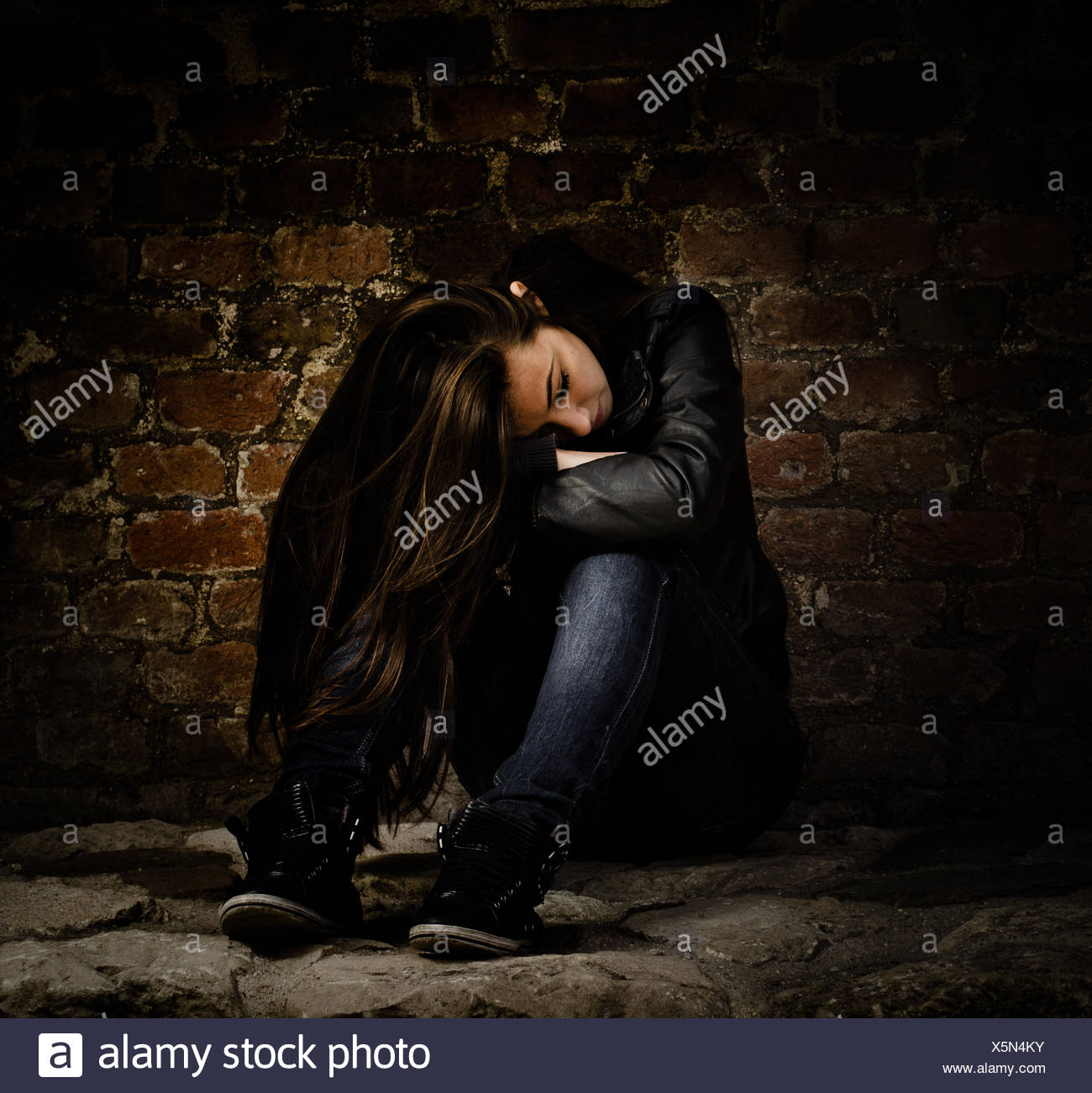 Confused Depressed Girl Wiring Diagrams Circuitlab Public Circuits Tagged Quotconstantcurrentquot Teen Unhappy Emotion Stress Alone Lonely Rh Alamy Com Quotes