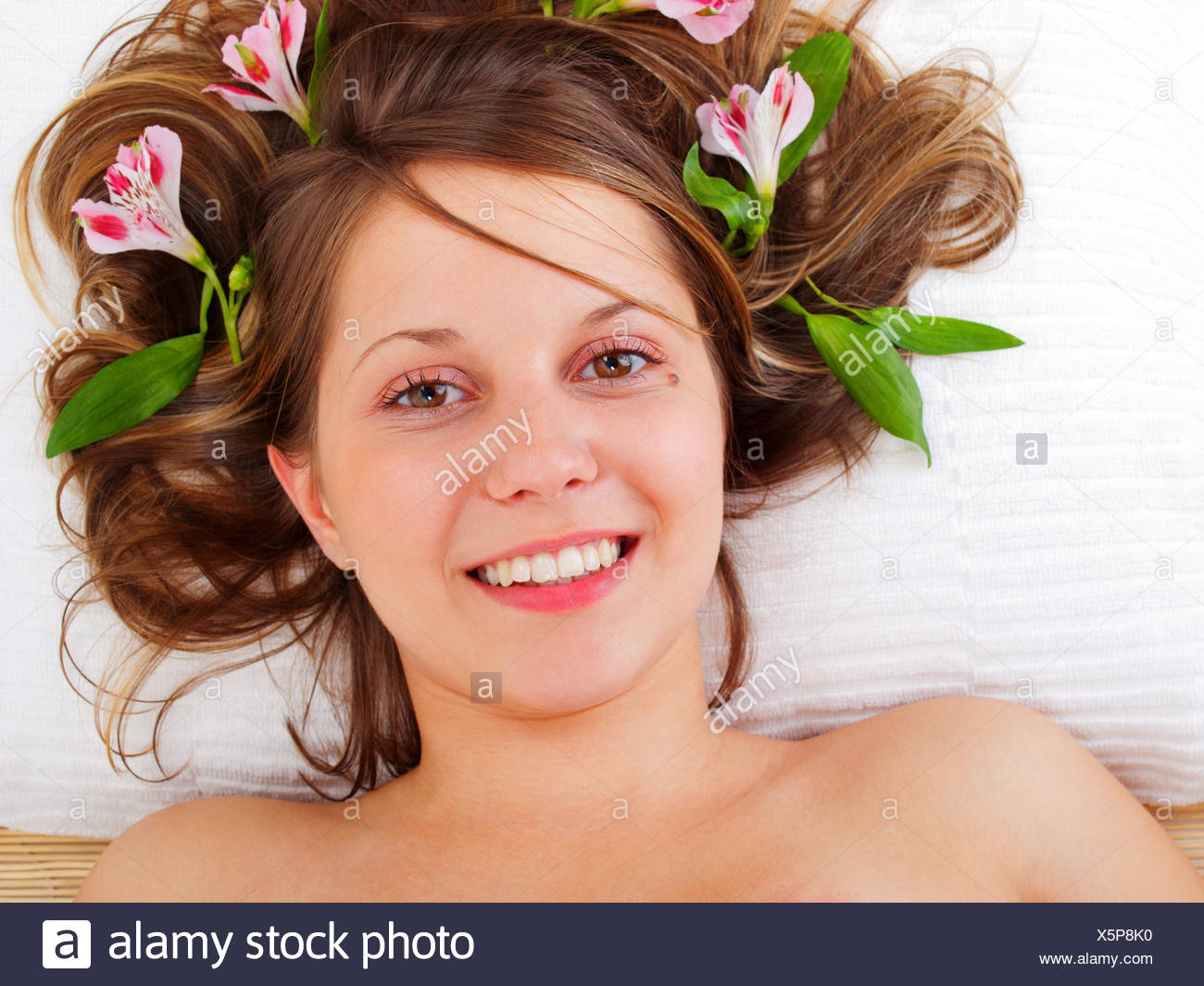 Young woman in spa studio - Stock Image