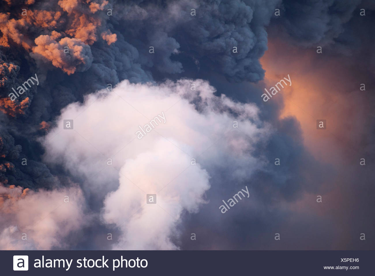 Detail of the ash clouds of Eyjafjallajoekull Volcano, Iceland, Europe - Stock Image