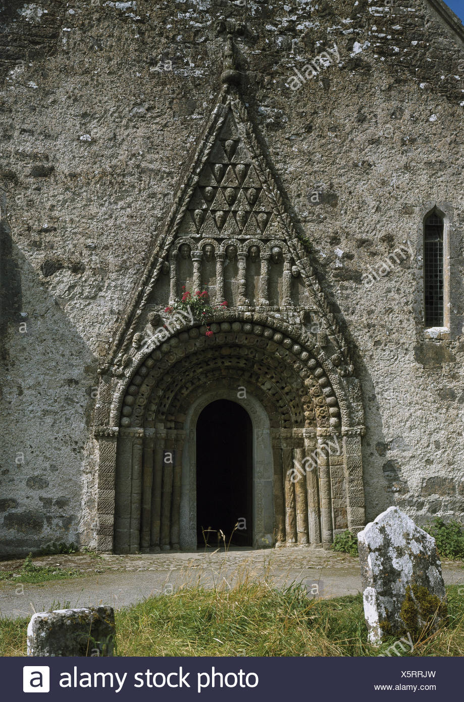 Ireland, Clonfert, church door, Europe, St. Brendan's Cathedral - builds in 563 and 1016, in 1164 and 1179 burnt down - was in the 16th century the centre of a blossoming school with up to 3000 students and is probably valid rightly as the nicest Romanesque church Ireland., - Stock Image