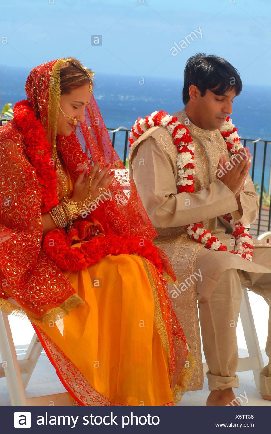 Indian Wedding Bride Groom Stock Photos & Indian Wedding Bride Groom