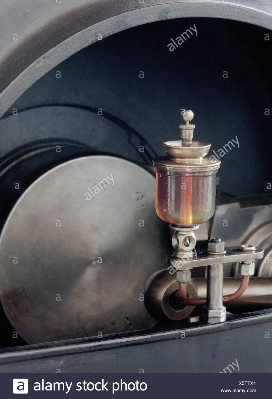 Steam engine, piston rod, detail, oil tank, machine
