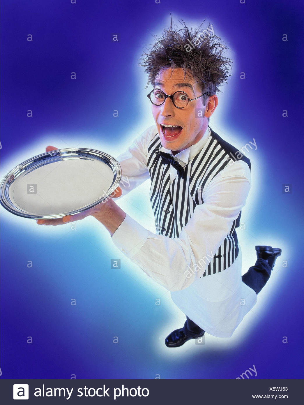 Waiters, glasses, silver tablet, carry, facial play man, service, waiters, gastronomy, serve, serve, bring, presentation, blank, hairs, ruffles, offer, service, service - Stock Image