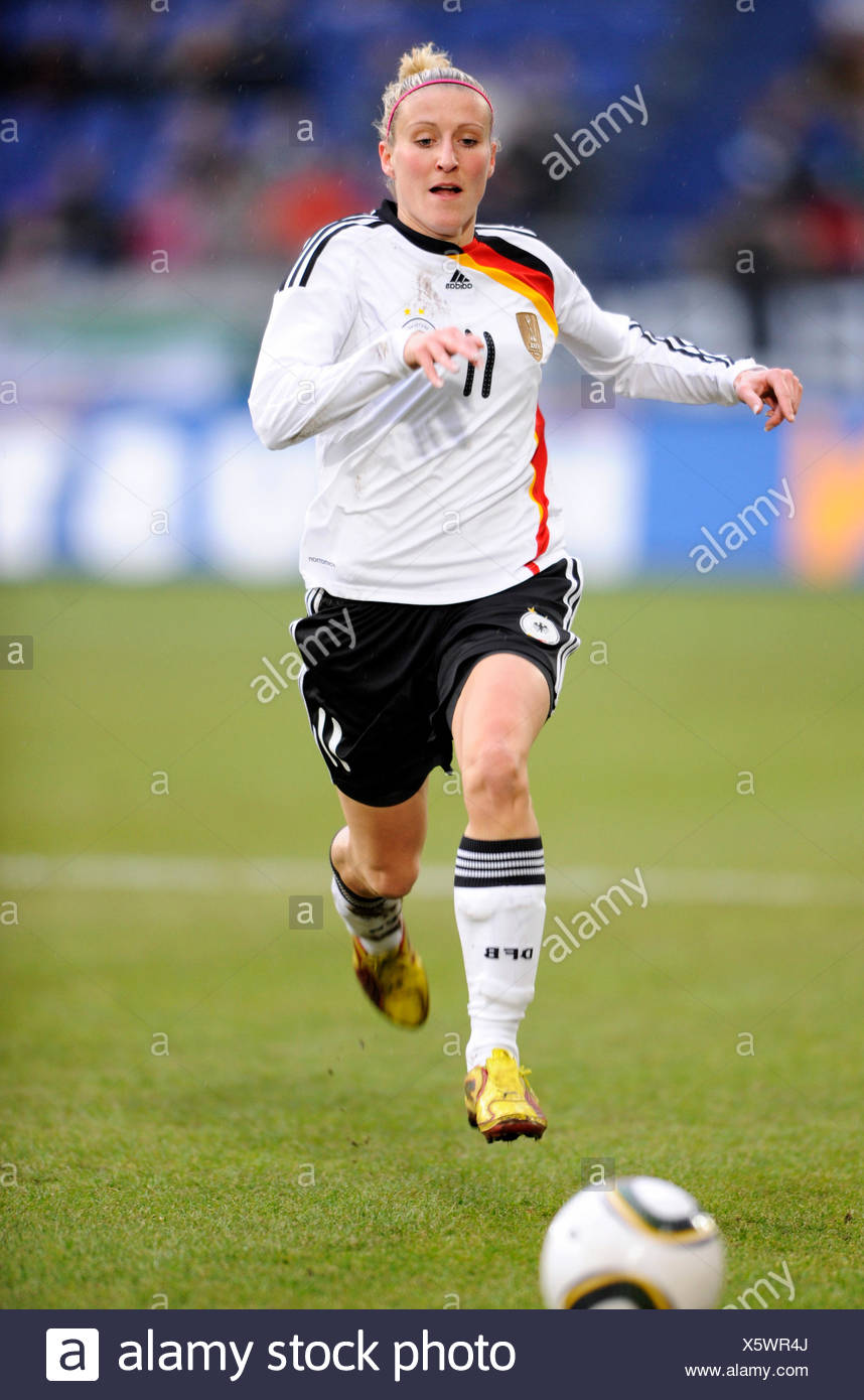Anja Mittag, women's international football match Germany - North Korea 3-0 at the MSV Arena in Duisburg, North Rhine-Westphalia Stock Photo