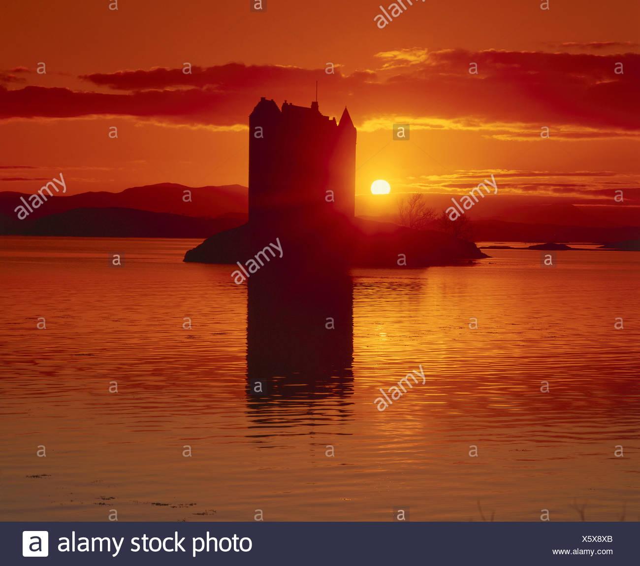 GB' Scotland, Stalker Castle, hole Linnhe, sundown - Stock Image