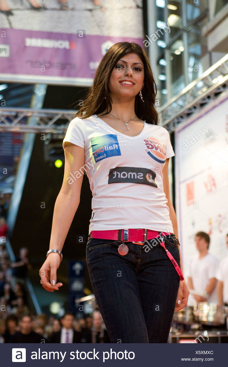 Alkhoory Rana, 21, from Rickenbach took the 2nd place in the Miss Central Switzerland 2009 in the RailCity Lucerne, Switzerland - Stock Image