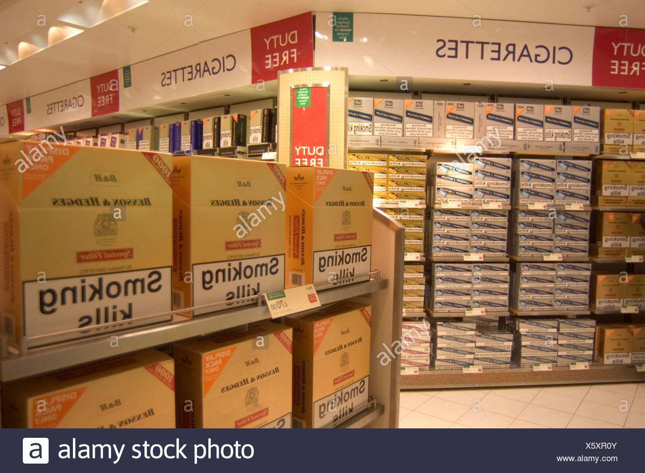 airport Gatwick boxes Cigarettes Duty free duty free trade purchase shelves shopping smoker´s goods smokin - Stock Image