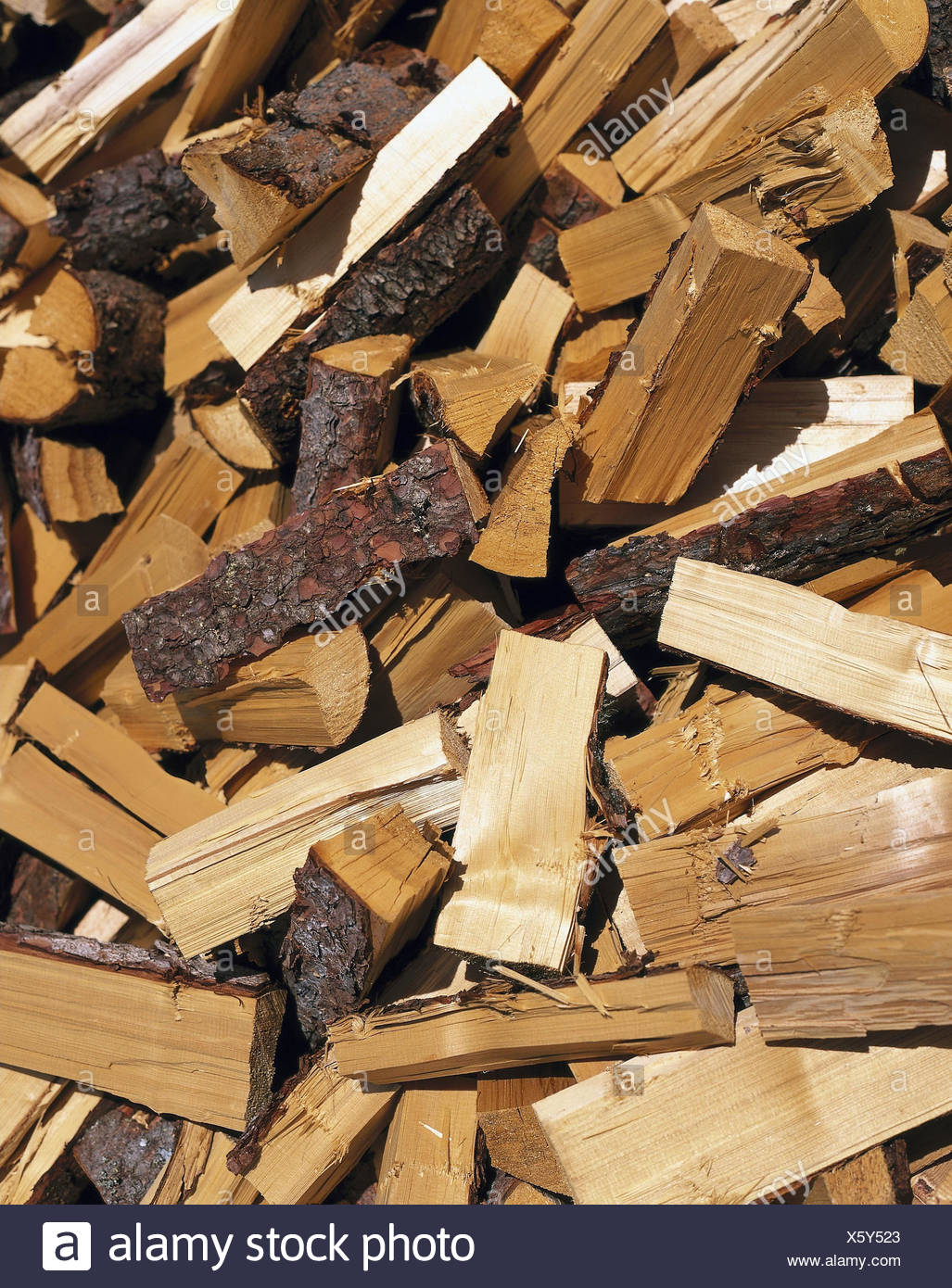 Firewood, heap, detail, wooden, Holzscheiter, softwood, spruce, trunks, strains, chopped, minced, fuel, product photography - Stock Image
