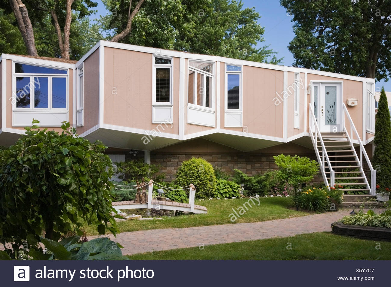 Modern Home Cube High Resolution Stock Photography And Images Alamy