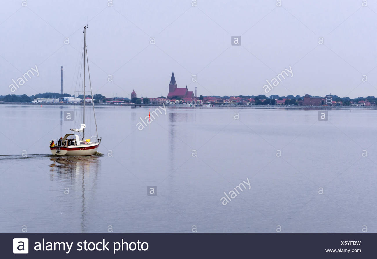 Sailboat at Barth on the bay - Stock Image