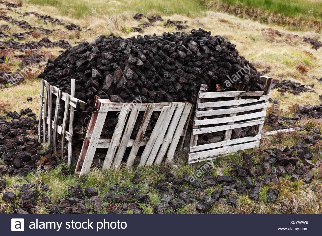 Peat cutting, Glencolumbcille, or Glencolumbkille, County Donegal, Ireland, Europe, PublicGround - Stock Image