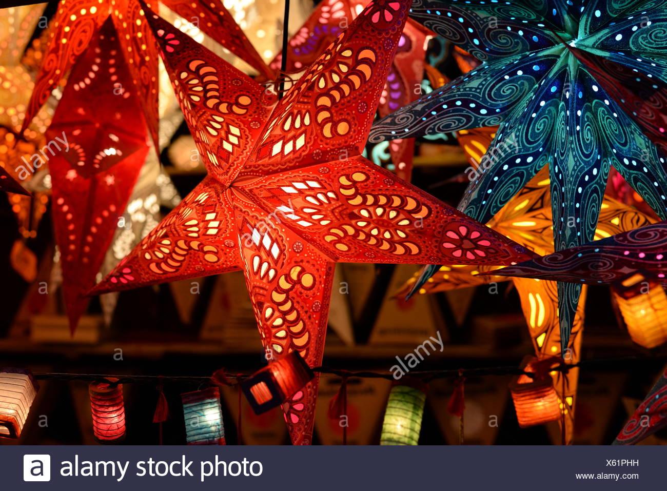 Weihnachtsbeleuchtung Bunt.Weihnachtssterne Weihnachtsstern Stern Sterne Beleuchtung